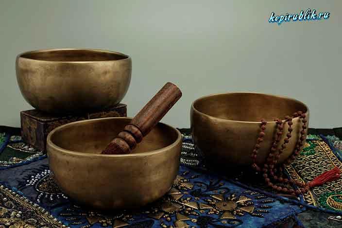 железные чаши, чётки, атрибутика шамана